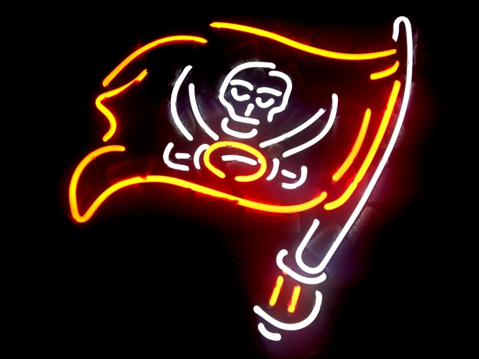NFL Tampa Bay Bucaneers Classic Neon Light Sign 16 x 14
