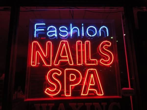 Nails Spa Fashion Neon Sign