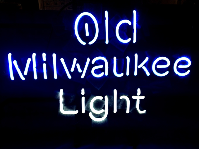 Old Milwaulkie Light Classic Neon Light Sign 16 x 14